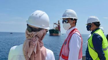 Pemerintah memulai pembangunan Terminal Bahan Bakar Minyak (TBBM) yang menjadi salah satu bagian pembangunan Terminal Multipurpose Wae Kelambu di Pelabuhan Labuan Bajo, Nusa Tenggara Timur. (Dok Kemenhub)