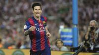 Penyerang Barcelona, Lionel Messi, merayakan gol ke gawang Athletic Bilbao pada final Copa del Rey 2015 di Camp Nou, Barcelona, 30 Mei 2015. Gol Messi menjadi salah satu nomine FIFA Puskas Award 2015. (AFP PHOTO/ Ander Gillenea)