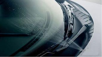 Jangan Anggap Enteng Peran Air Wiper saat Naik Mobil
