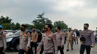 Kapolda Banten Irjen Rudy Heriyanto saat meninjau Pos Pam di Pelabuhan Merak. (Merdeka.com)