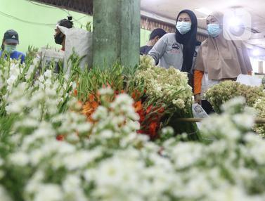 Berburu Bunga Hias Jelang Idul Fitri