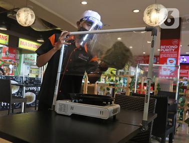 Persiapan Kenormalan Baru, Restoran di Mall Bekasi Sediakan Pembatas Plastik