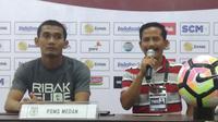 Djadjang Nurdjaman merasa puas setelah PSMS Medan mengalahkan Persib Bandung. (Bola.com/Muhammad Ginanjar)