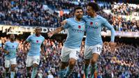 Manchester City akan diuji ketangguhannya oleh Manchester United (AFP/Oli Scarff)