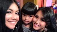 Denada, Shakira Aurum, dan Ayu Ting Ting. (Instagram/denadaindonesia)