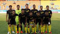 Timnas Malaysia U-23 sebelum melawan Kirgizstan di laga pertama Grup E Asian Games 2018 di Stadion Si Jalak Harupat, Bandung, Rabu (15/8/2018). (Bola.com/Dok. FAM)