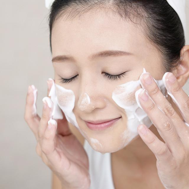 tentang scrub wajah dan bahayanya