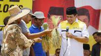 Cagub Sulsel, Nurdin Halid Mengaku Siap Hadapi Debat Kandidat Mendatang (Liputan6.com/ Eka Hakim)