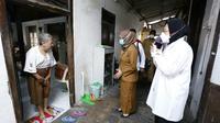 Mensos Risma blusukan ke kampung-kampung di Kota Gudeg menemui sejumlah warga dan berdialog, Senin (19/7)