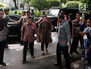 Wapres Jusuf Kalla dan Try Sutrisno Layat Mendiang Probosutedjo
