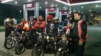 Anggota klub RX King sebelum perjalanan Jakarta - Papua (Foto Andika Triadi)
