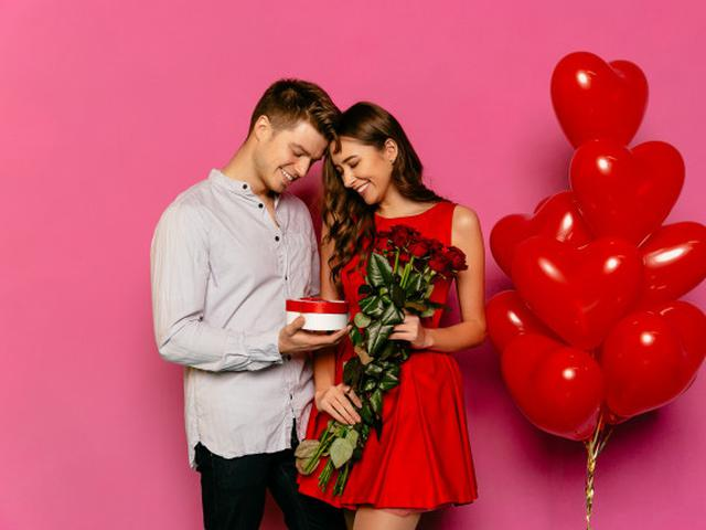 30 Kata Kata Happy Anniversary 1 Tahun Buat Pasangan Romantis Dan Menyentuh Hati Hot Liputan6 Com