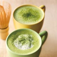 Green Tea Latte atau Matcha Latte.