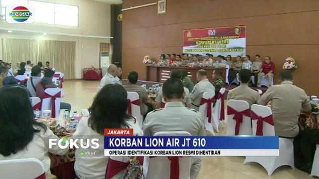 Tim DVI Polri resmi hentikan proses identifikasi korban Lion Air JT 610 meski masih ada 64 jenazah yang belum ditemukan.