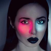 Ilustrasi makeup. Sumber foto: unsplash.com/Ksenia Polovodova.