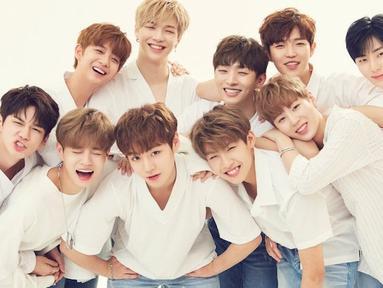 Sejak debut pada 2017, Wanna One memang sudah mencuri perhatian publik. Belum genap 1 tahun sejak debut, mereka sudah menyabet banyak penghargaan dan mempunyai banyak penggemar. (Foto: Soompi.com)