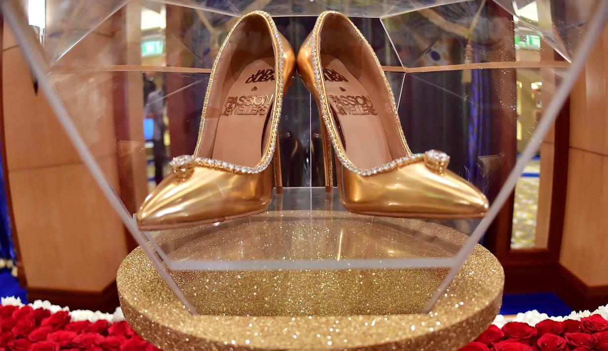 FOTO Penampakan Sepatu Termahal Seharga Rp 250 Miliar Hadir Di Uni