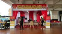 Posko tersebut berdiri berdekatan dengan Posko Crisis Center Sriwijaya Air SJ-182. Di posko tersebut terdapat petugas kepolisian yang siaga, bilamana ada keluarga korban ataupun masyarakat yang membutuhkan bantuan.