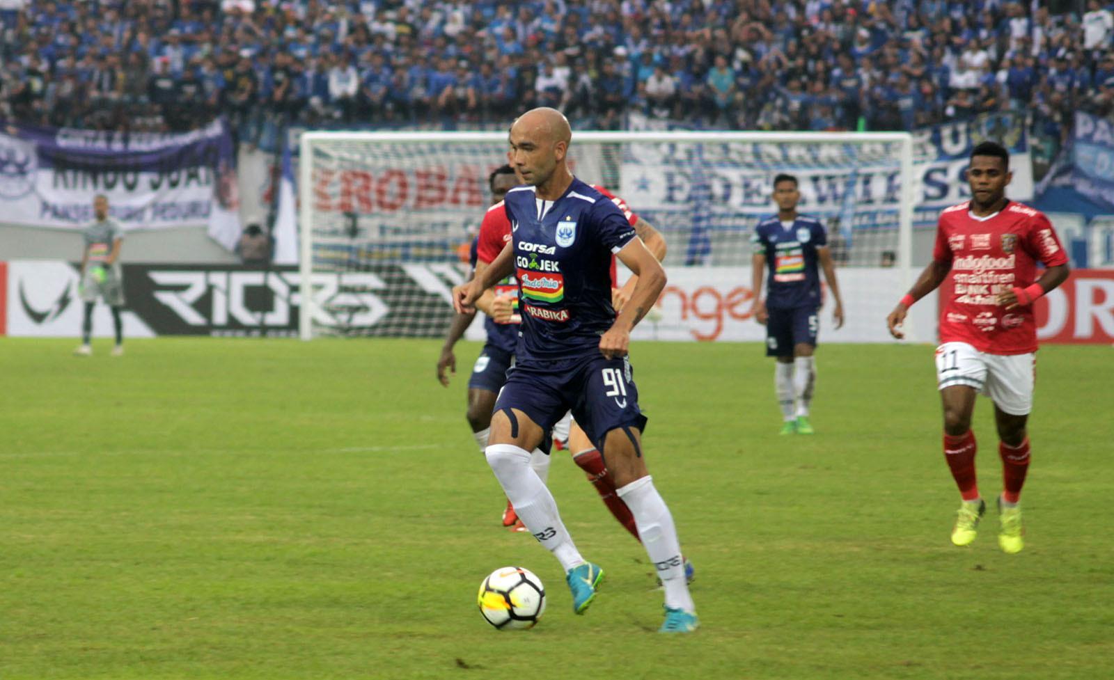 Striker PSIS, Bruno Silva. (Bola.com/Ronald Seger Prabowo)