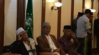 Ketua PBNU Said Aqil Siroj menerima kunjungan dari para kiai se-Indonesia. (Liputan6.com/Lizsa Egeham)