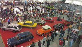 28 mobil kustom meramaikan Kustomfest 2019 di JEC, Yogyakarta. (Septian / Liputan6.com)