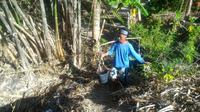Ilustrasi – Warga di Cinangsi Kecamatan Gandrungmangu, Cilacap mengambil air bersih dari sungai pada musim kamarau. (Foto: Liputan6.com/Muhamad Ridlo)