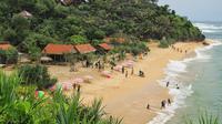 Pantai ini juga sering digunakan foto pre wedding karena memang viewnya bagus apalagi menjelang matahari terbenam.