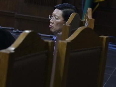 Terdakwa kasus dugaan suap kepada Direktur PT Krakatau Steel Wisnu Kuncoro, Kenneth Sutardja saat menjalani sidang lanjutan di Pengadilan Tipikor, Jakarta, Senin (1/7/2019). Sidang beragendakan mendengar keterangan saksi-saksi. (Liputan6.com/Helmi Fithriansyah)