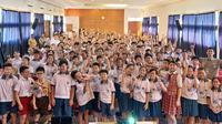 Menggelar workshop di banyak sekolah jadi salah satu cara Komunitas Sudah Dong beri pengetahuan tentang bahaya perundungan. (dok. Instagram @sudahdong/https://www.instagram.com/p/BzuCgV9A2TY/)