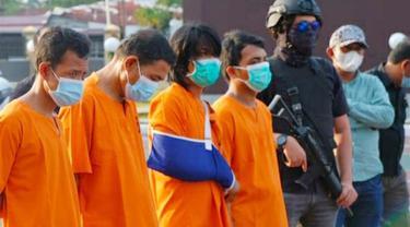 Tersangka narkoba penampung sabu dari Malaysia yang ditembak polisi karena melawan.