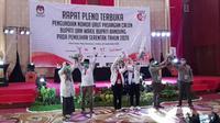Para pasangan calon Pilkada Kabupaten Bandung sah mendapatkan nomor urut. (Liputan6.com/Huyogo Simbolon)