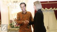 Presiden Joko Widodo (Jokowi) menerima Wakil Presiden Uni Eropa Federica Mogherini beserta delegasi di Istana Negara, Jakarta, Jumat (8/5/2016). Indonesia mengupayakan diberikannya kerja sama pasar bebas dengan Uni Eropa. (Liputan6.com/Faizal Fanani)