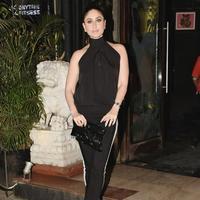 Usaha dan kegigihan Kareena Kapoor untuk melakukan pilates dan yoga tak sia-sia. Dalam satu tahun, ia berhasil menurunkan 16 kilogram. (Foto: instagram.com/therealkareenakapoor)