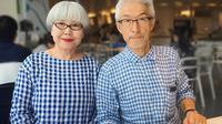 Pasangan ini telah menikah selama 37 tahun dan selalu pakai baju yang matching. (Foto: instagram.com/bonpon511)