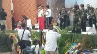 Panglima TNI dan Kapolri duet menyanyikan lagu Cintaku (Liputan6.com/ Ady Anugrahadi)