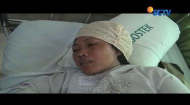 Guru bantu korban penganiayaan muridnya di Pontianak masih menjalani perawatan. Ia dilempar kursi plastik oleh pelaku setelah korban mengingatkan agar tidak bermain handphone.