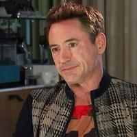 Robert Downey Jr saat melakukan wawancara eksklusif dengan Channel 4. (via tvguide.com)