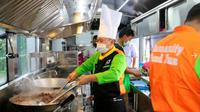 Kabin Food Bus ACT bisa untuk memasak berbagai jenis masakan. (ACT)