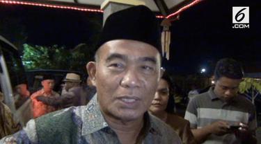 Menteri Pendidikan dan Kebudayaan Muhadjir Effendy meminta maaf atas kendala yang terjadi dalam pelaksanaan UNBK.