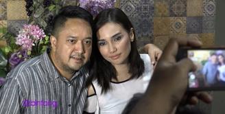 Feby Febiola dan Franky Sihombing akan segera melangsungkan pernikahannya pada tanggal 22 Januari mendatang di kawasan Kemang, Jakarta Selatan. Dari 200 undangan yang mereka sebar, ada undangan yang mereka siapkan untuk mantan masing-masing.