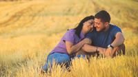 Jatuh Cinta Bisa Membuat Rasa Percaya Diri Bertambah dan Bahagia