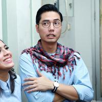 Nycta Gina dan Rizky Kinos yang baru saja menikah masih harus pelajari banyak hal mengenai kebiasaan pasangan. (Deki Prayoga/Bintang.com)