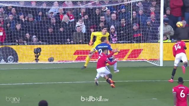 Berita video 2 gol Manchester United saat menang 2-1 atas Chelsea di Premier League 2017-2018. This video presented by BallBall.