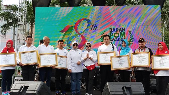 HUT BPOM ke-18, BPOM memberikan penghargaan kepada pelaku usaha industri dan UMKM di Parkiran Sarinah, Jakarta pada Minggu, 10 Februari 2019. (Liputan6.com/Fitri Haryanti Harsono)#source%3Dgooglier%2Ecom#https%3A%2F%2Fgooglier%2Ecom%2Fpage%2F%2F10000