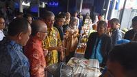 Deputi Perlindungan BNP2TKI saat membuka pagelaran produk PMI Purna se Jabar di BP3TKI Bandung, Senin (16/12).