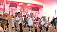 Cawako Palembang Mularis Djahri menjanjikan bantuan untuk pedagang Pempek Palembang (dok.istimewa / Nefri Inge)