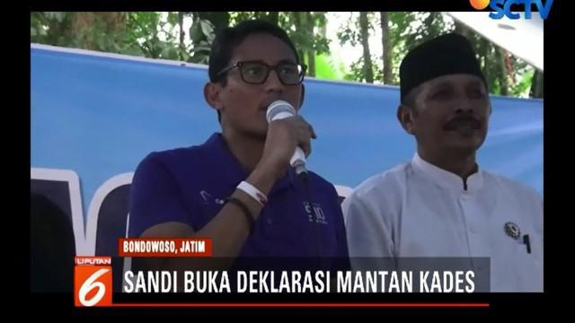 Sandiaga juga hadir untuk membuka kegiatan deklarasi mantan kepala desa yang mendukung Prabowo-Sandi.
