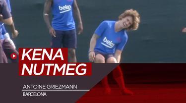 Berita video momen Antoine Griezmann kena nutmeg dua kali saat latihan perdana bersama Barcelona.
