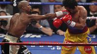 Floyd Mayweather vs Manny Pacquiao (AP Photo/Eric Jamison)