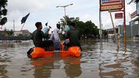 Banjir di Priuk Tangerang mencapai 80 cm.